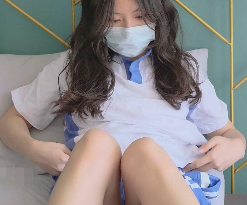 推特小姐姐吃土的媛媛蓝白校服 [143P+1V+1.30G]