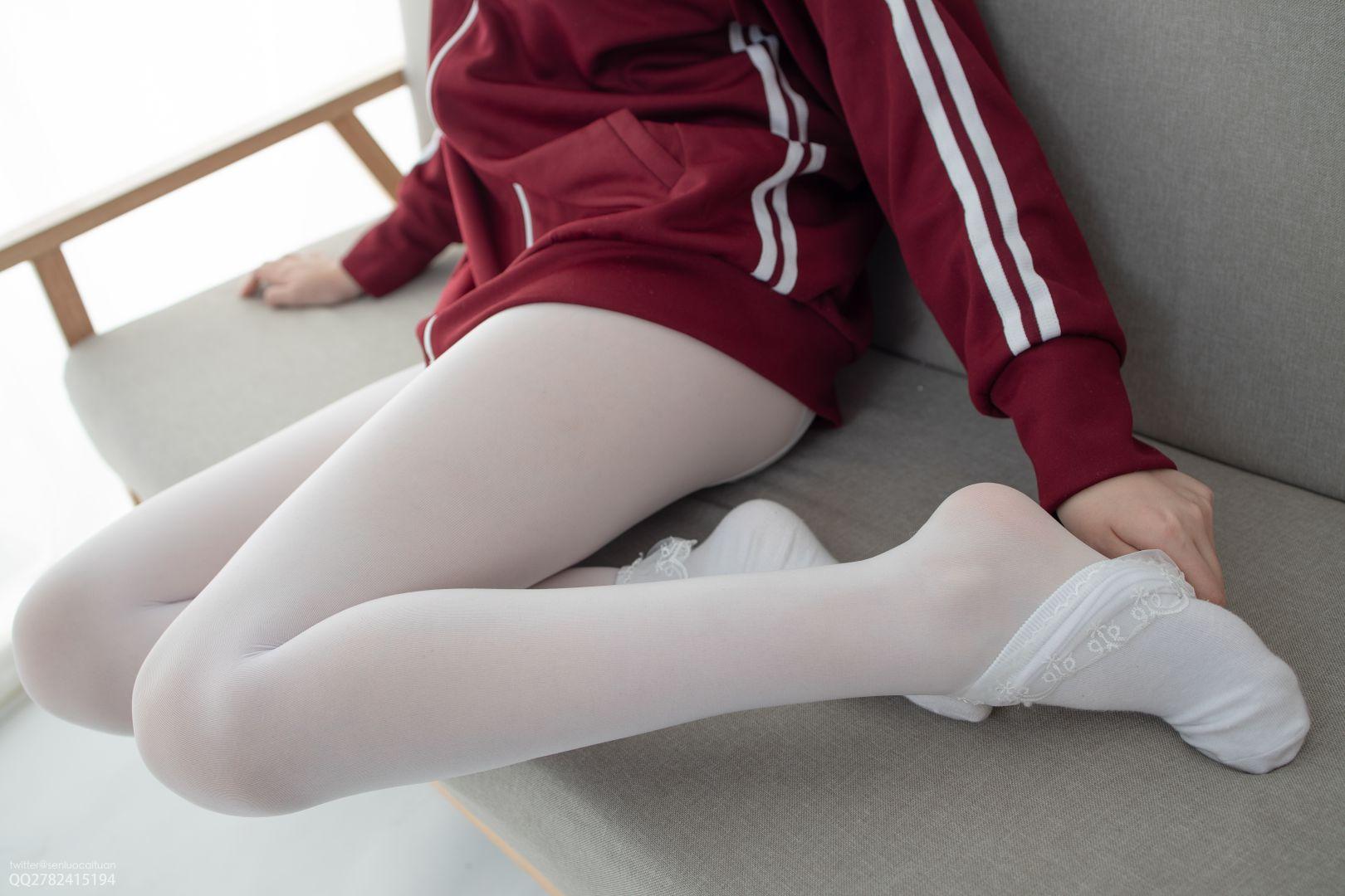 JKFUN - 白丝套蕾丝花边短袜 [40P+1V+802MB]
