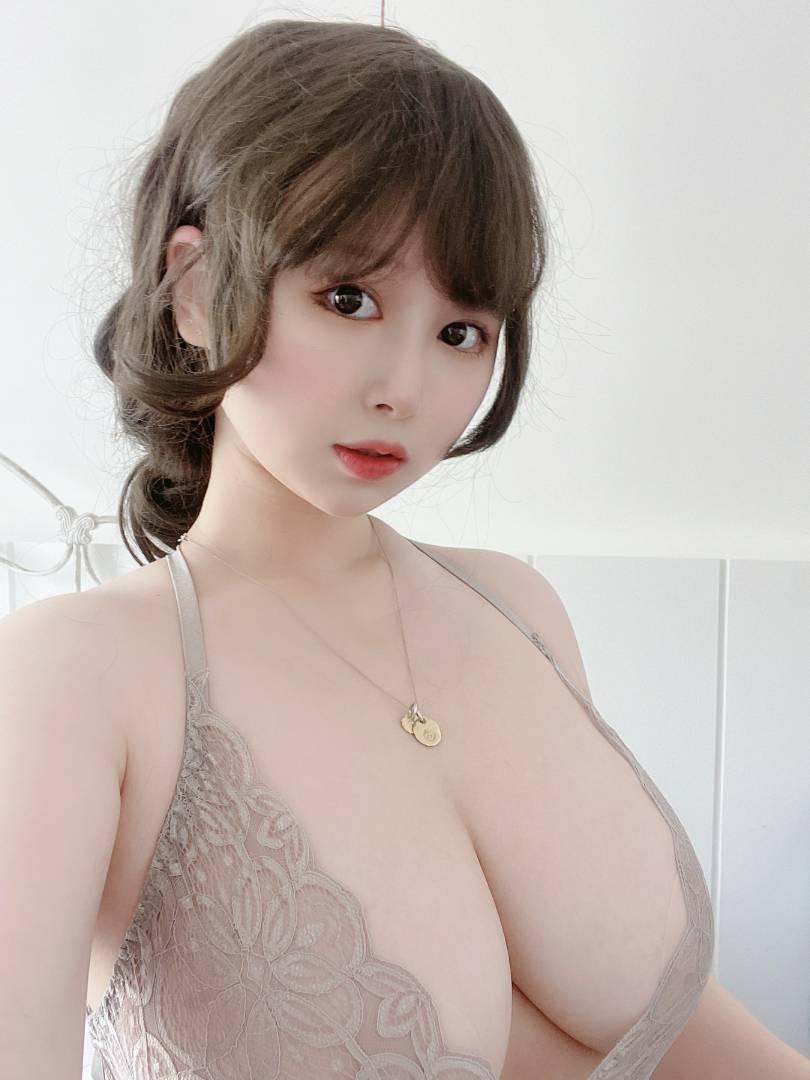 PAKI酱-灰色性感睡裙[27P+4V+311MB]