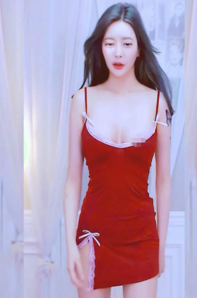 韩国气质主播小姐姐娜美舞蹈视频[1v+159M]