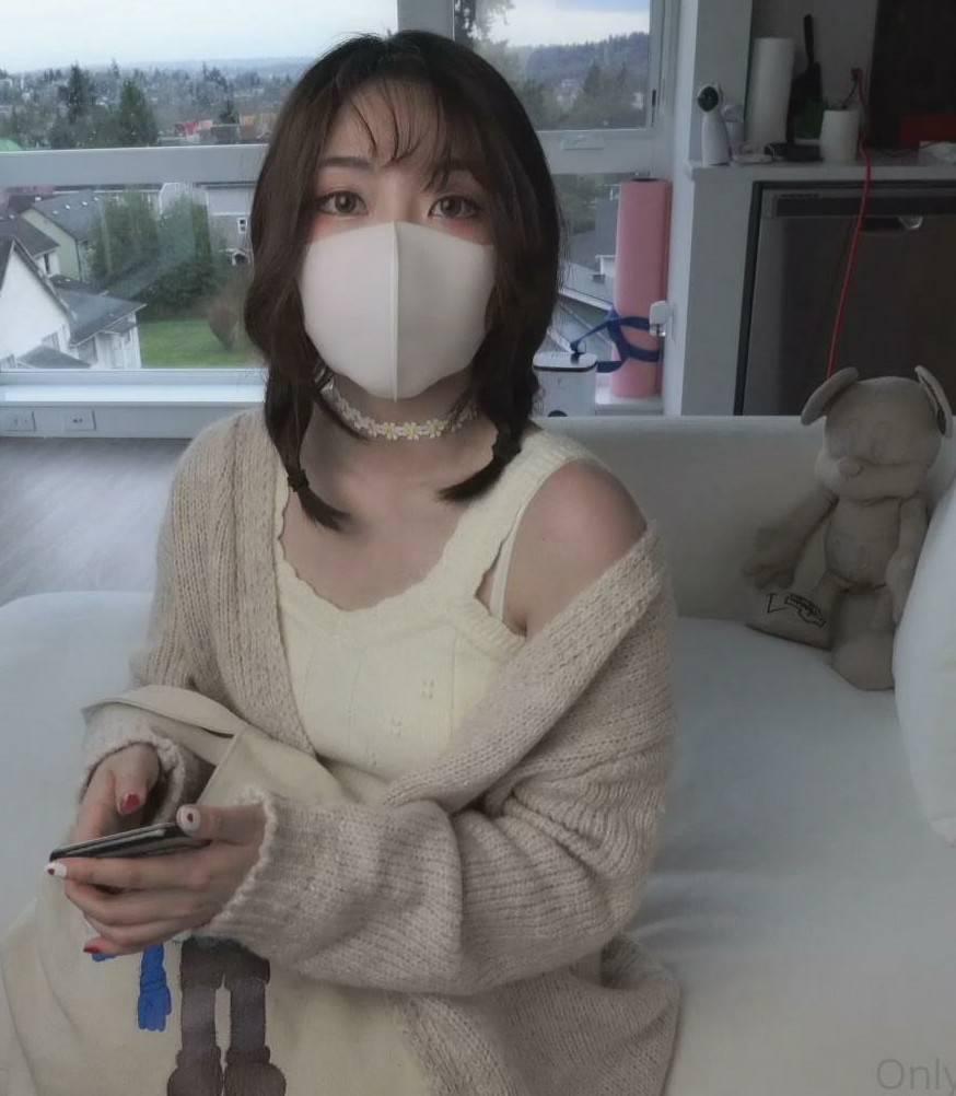 HongKongDoll甜美游戏陪玩视频 [1V+1.36G]