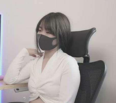 极品玩偶姐姐HongKongDoll新作[1v/113M]