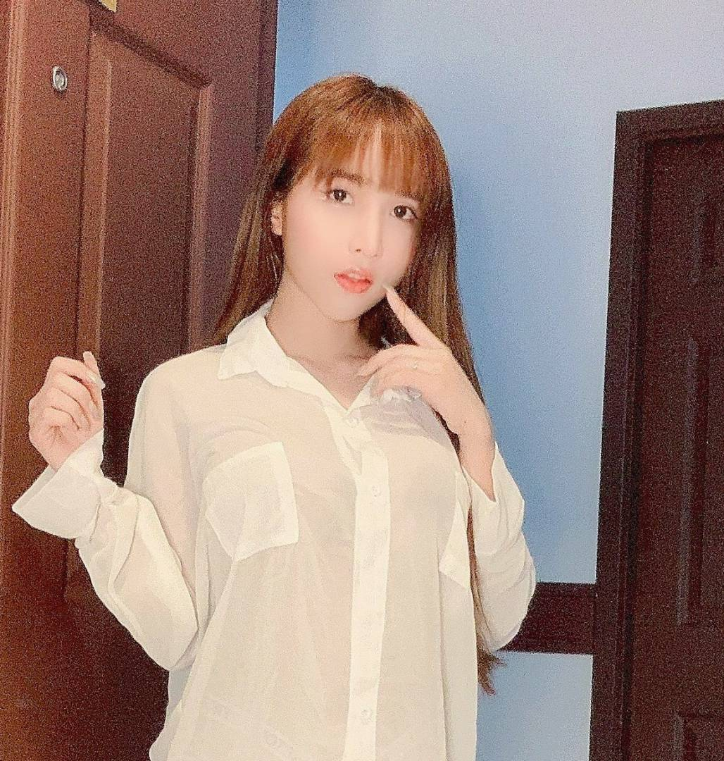 Onlyfans网红Aom_yumi最新合集[365P/28V/1.51G]